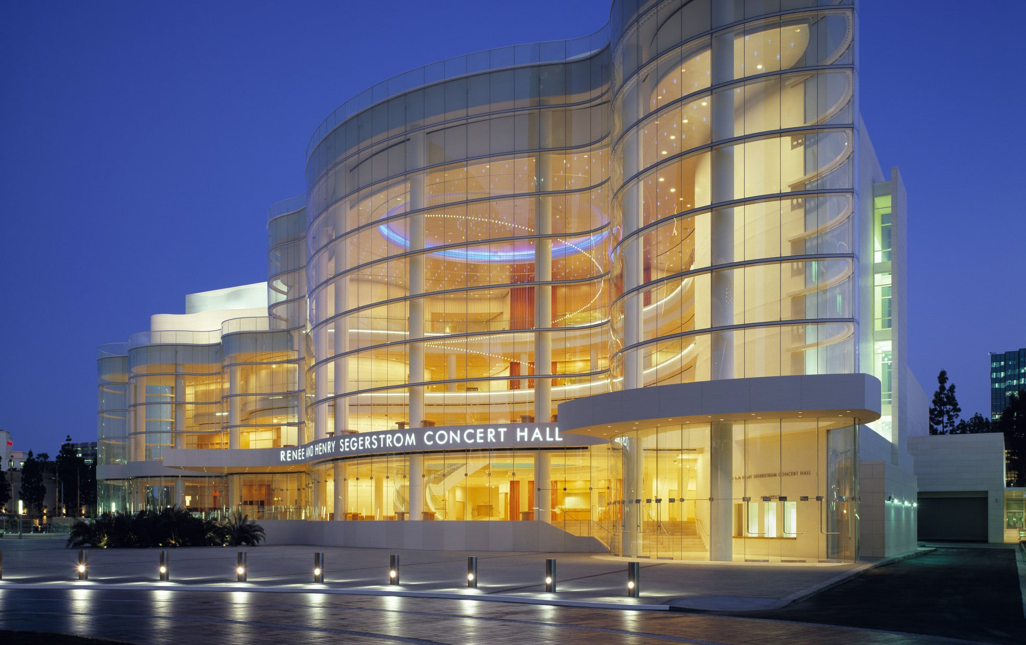Picture of Segerstrom Concert Hall at night